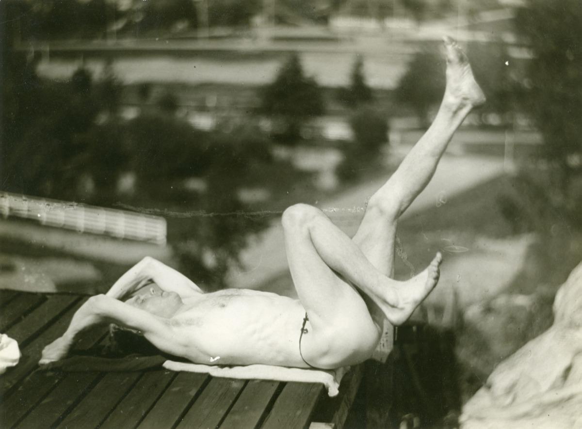 http://paavonurmi.fi/wp-content/fancygallery/1/1/pn_voimistelusarjaa-1924_2.JPEG